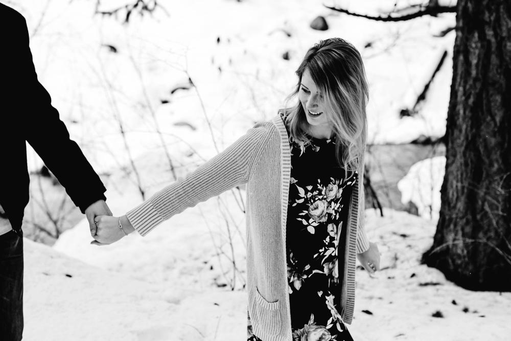 Leavenworth Winter Proposal Photographer