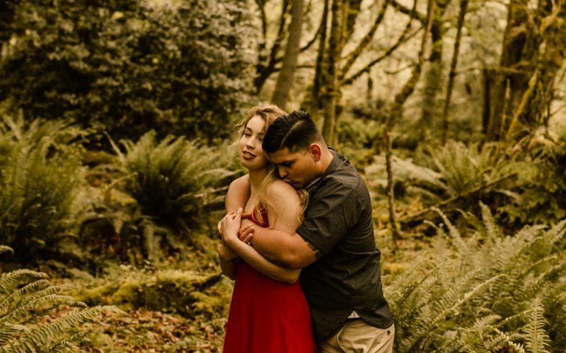 Woodsy Couples Session, Tacoma Photographer