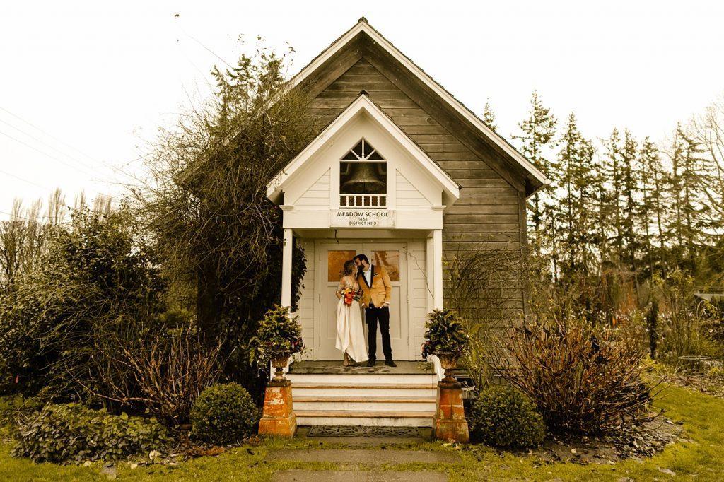 Christiansons Nursery Schoolhouse Ceremony wedding photographer