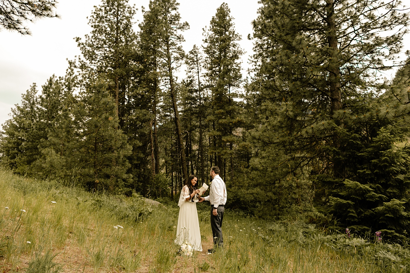 airbnb elopement in leavenworth photographer