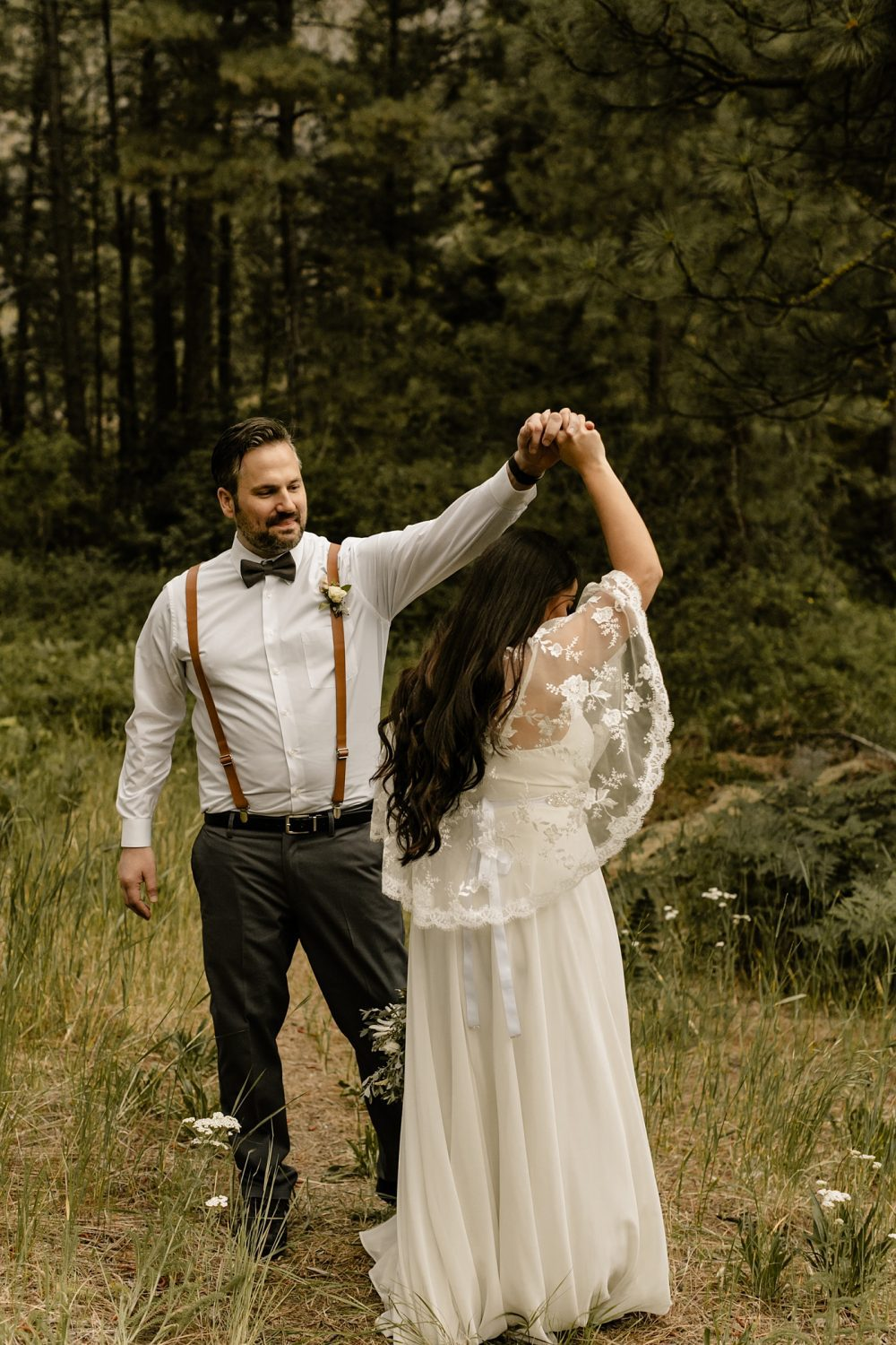 elope together in leavenworth, documentary wedding photographer