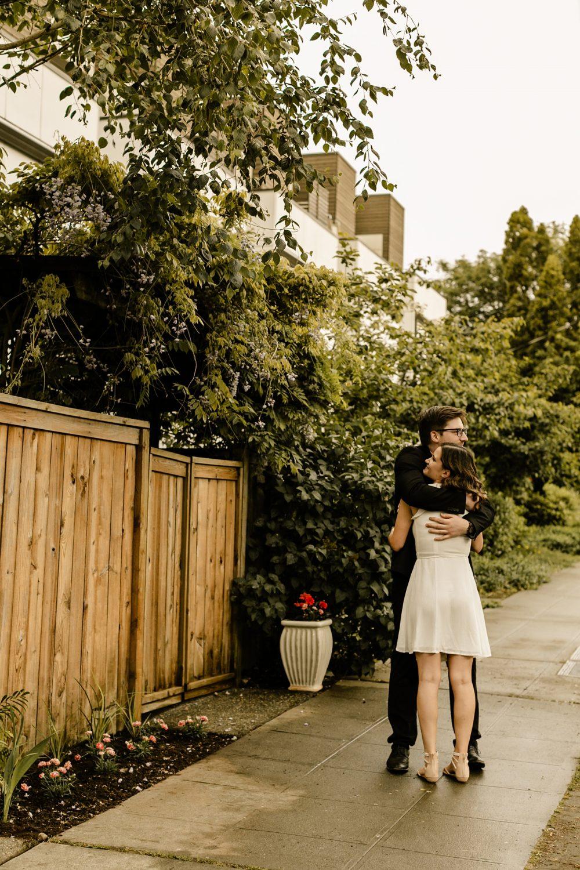 seattle elopement photographer backyard