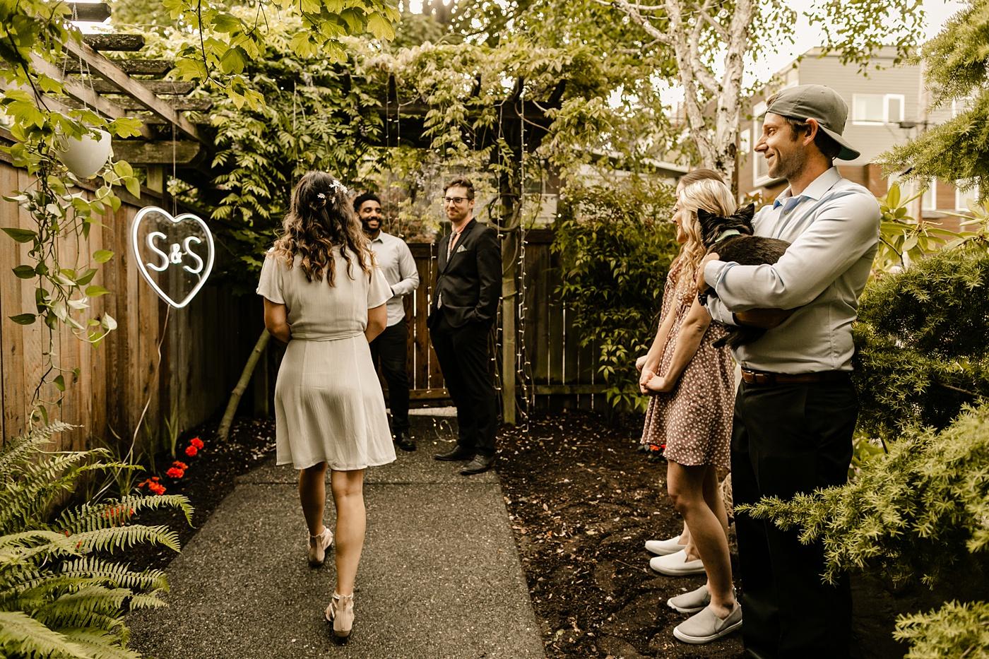 Washington backyard elopement photographer