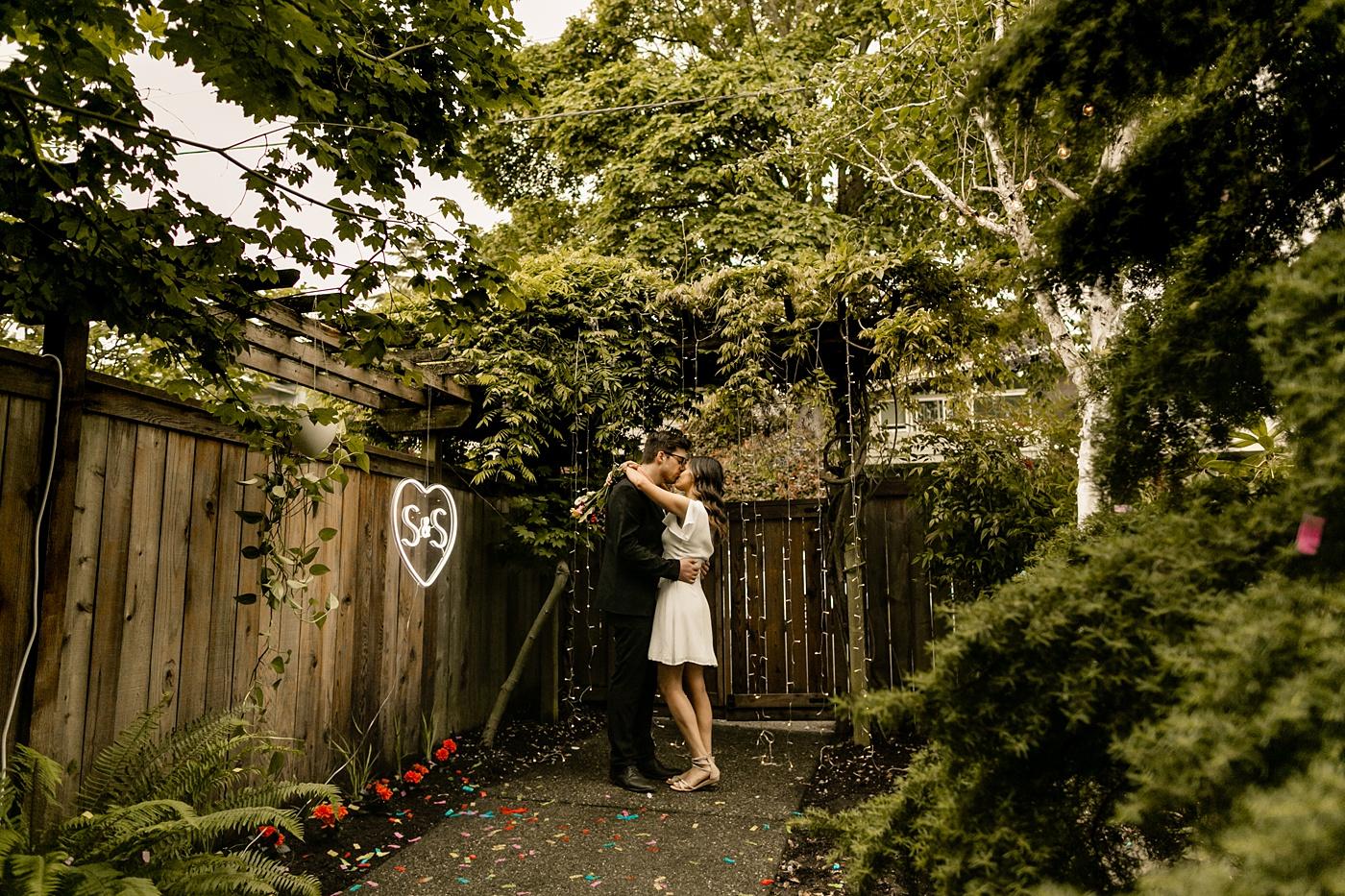 seattle backyard elopement photographer