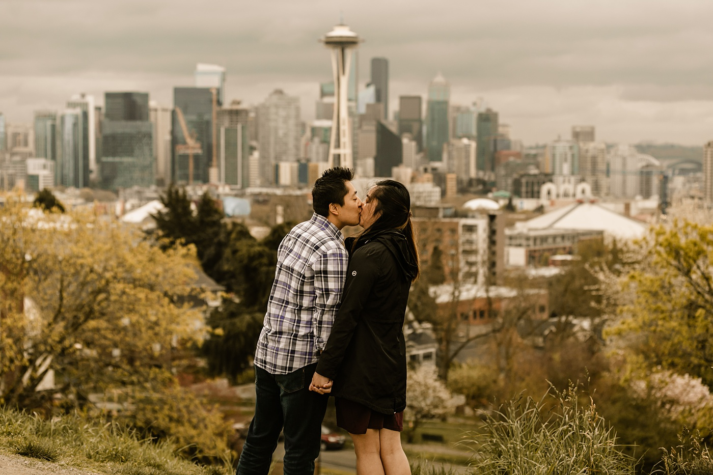 space needle skyline seattle engagement photographer proposal