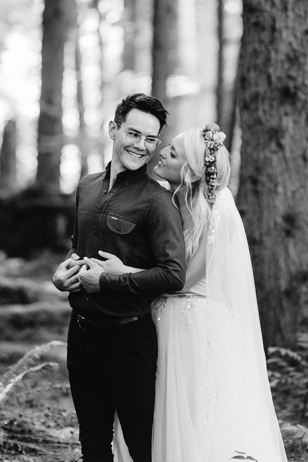 elopement pose ideas bride and groom
