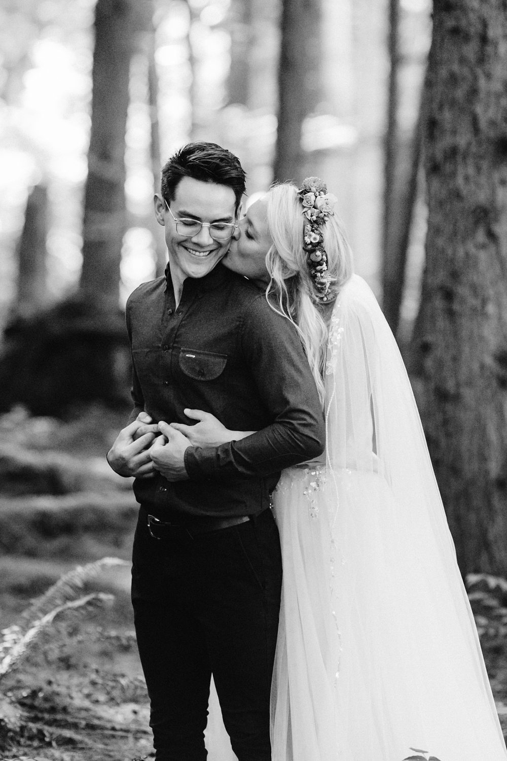 candid pose ideas elopement photographer