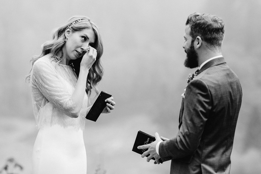 candid moments wedding photographer washington state
