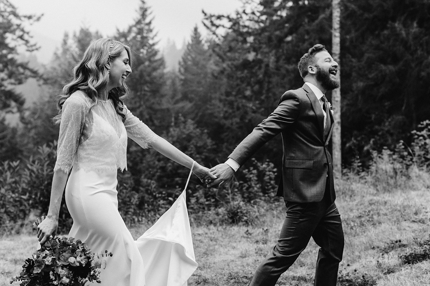 candid wedding photographer genuine moments pnw