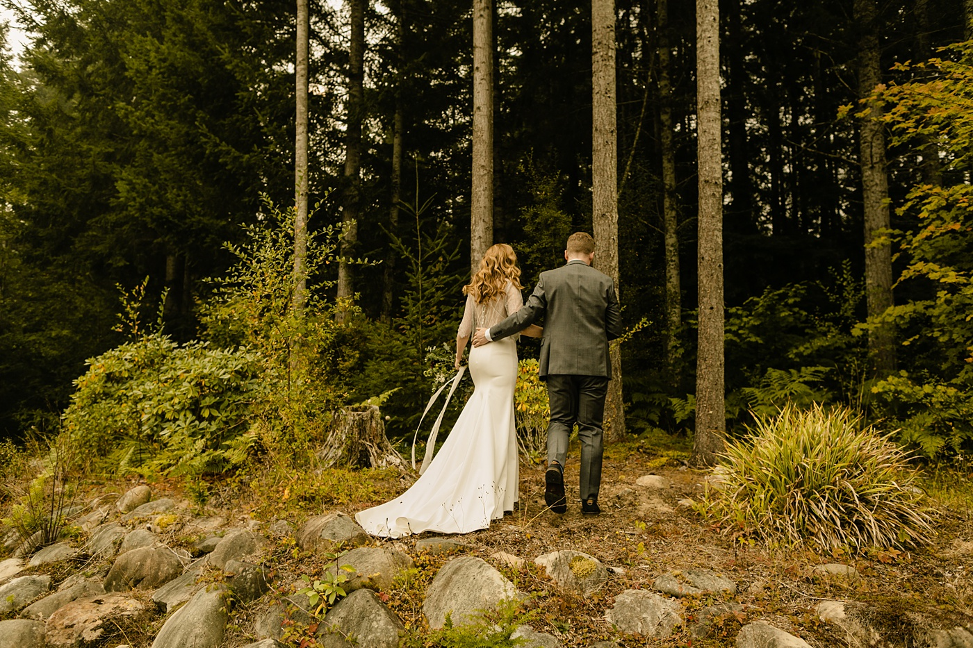 Seattles Best Airbnbs for Elopements wedding photographer