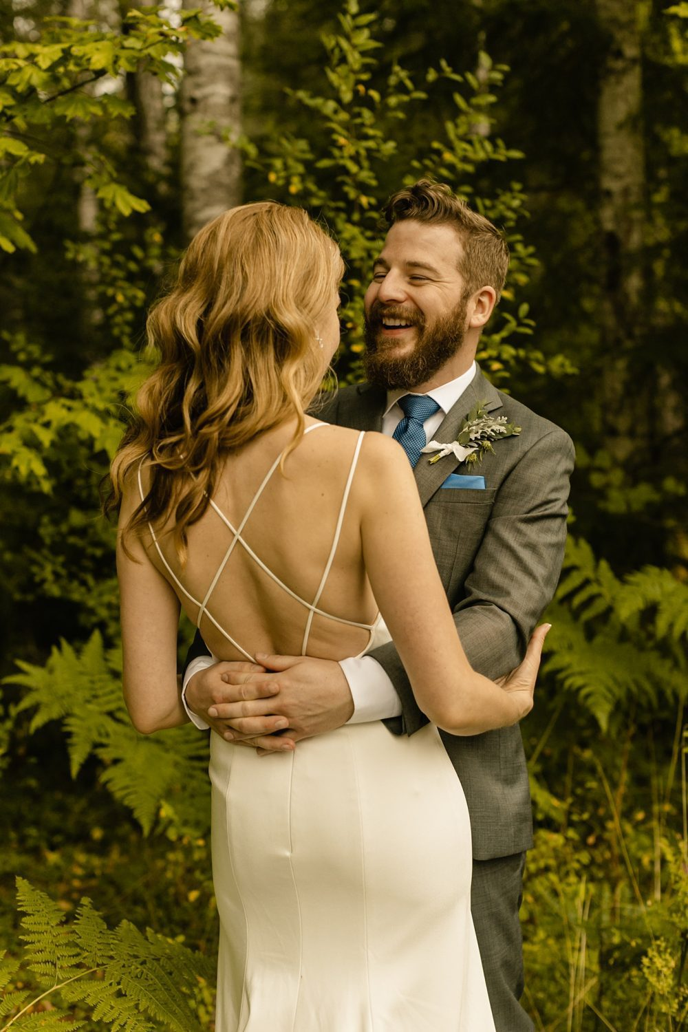 Seattle's Best Airbnb's for Elopements candid photographer