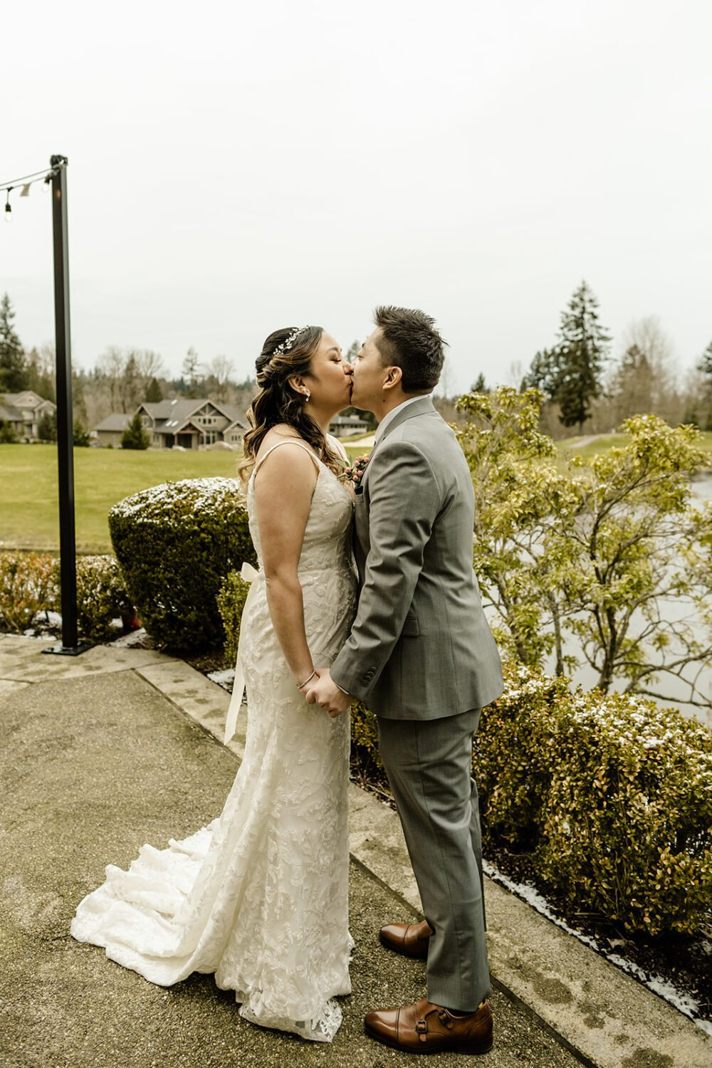 how many hours of photo coverage do I need for my wedding