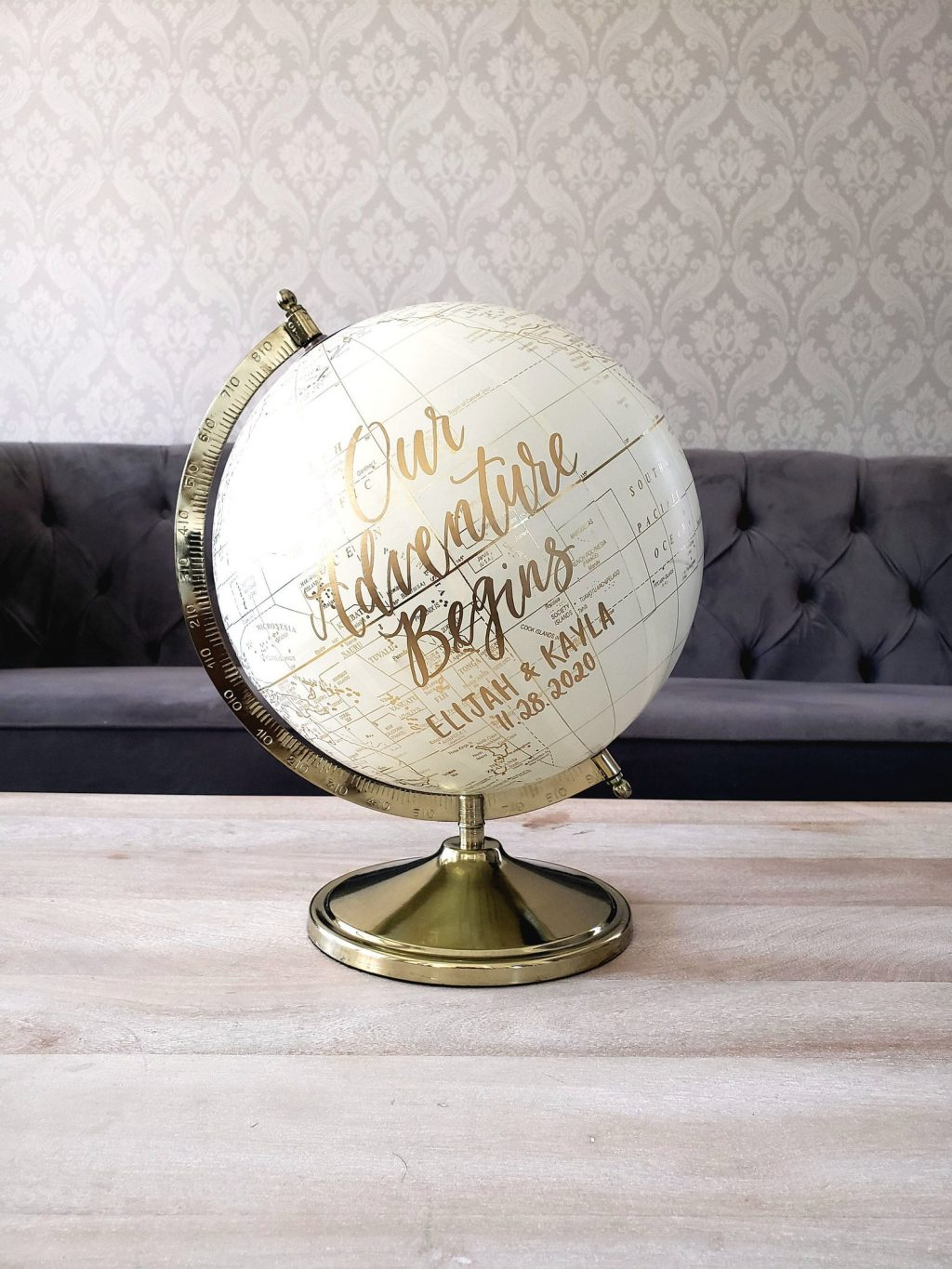 globe unique guest book ideas for your wedding