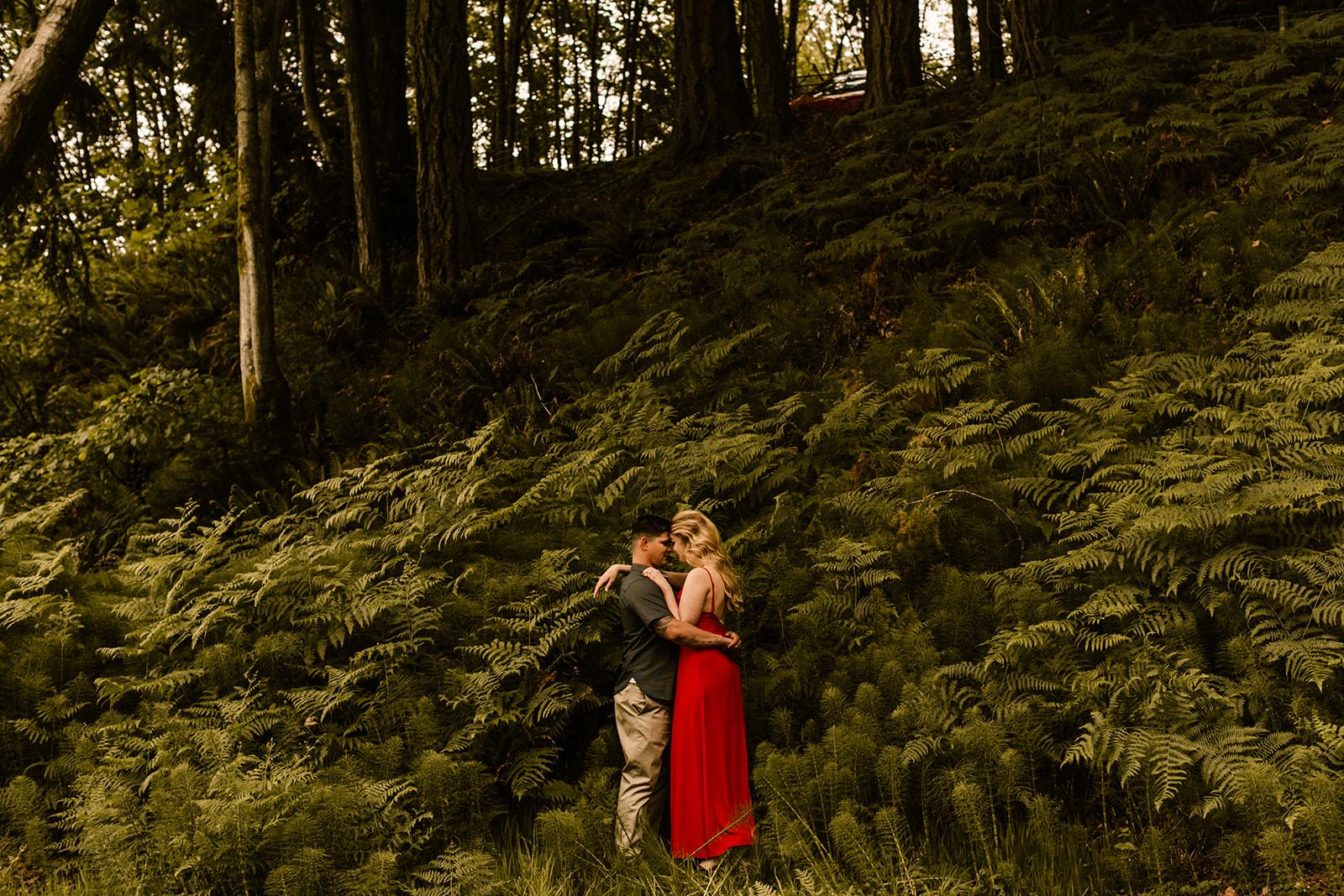 Point Defiance Washington Engagement Photos